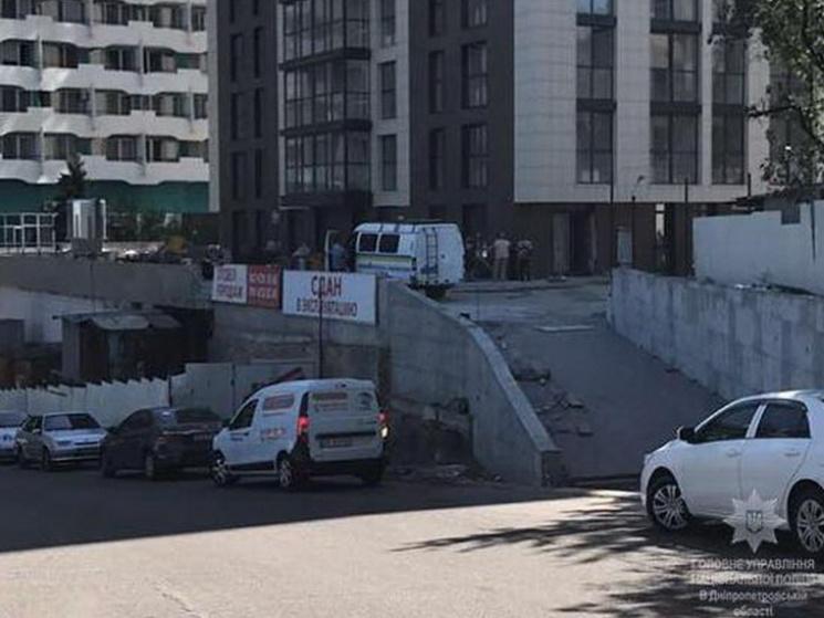 З'явилися фото з місця смертельної стрілянини у центрі Дніпра