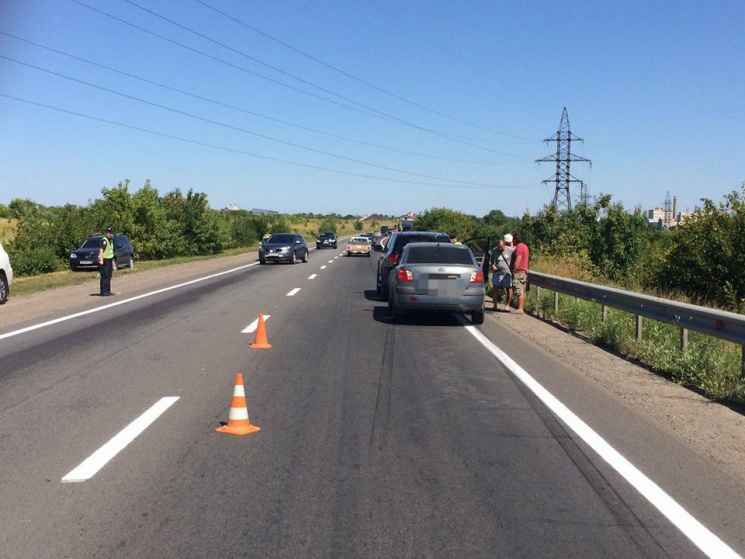 У Харкові автоледі потрапила в аварію: Жінку госпіталізували