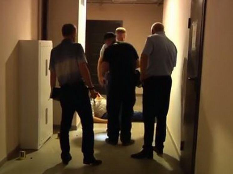 З'явилося відео з місця стрілянини у новобудові Дніпра