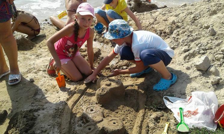 Замки, дельфіни, черепахи та спінери: у Вінниці вчетверте пройшов фестиваль піщаних скульптур