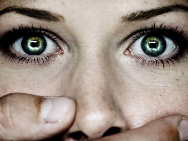 На Вінниччині дезертир зґвалтував дівчину
