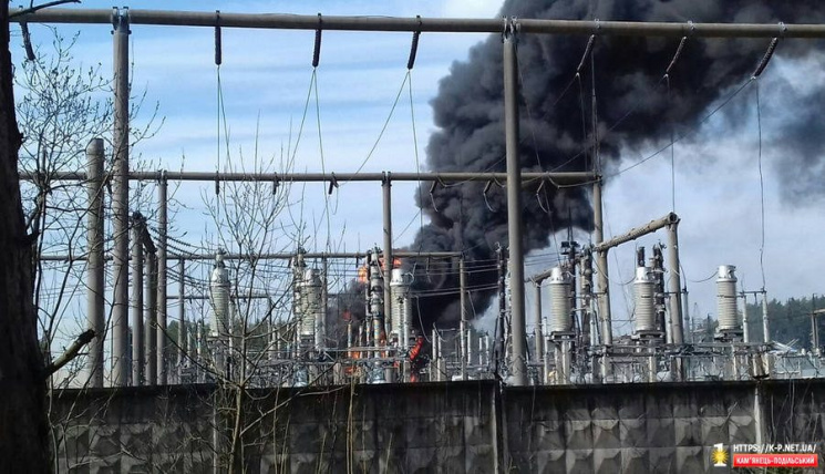 У Кам'янці горить водонапірна станція