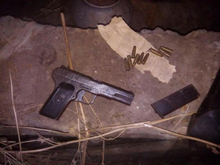 У Лубнах чоловік зберігав вдома зброю та боєприпаси