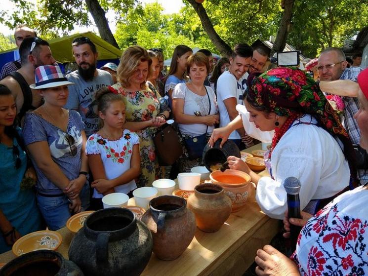 Борщик у глиняному горщику: На Полтавщині відбувся найсмачніший фестиваль