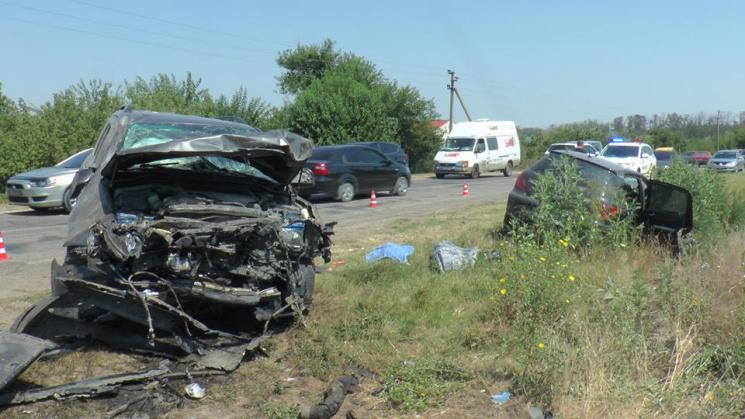 У ДТП на Херсонщині загинули чотири людини, ще троє - у важкому стані