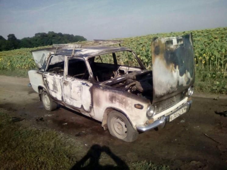 На Хмельниччині горіла автівка
