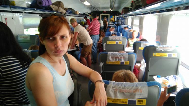 До Інтерсіті+ забули причепити кілька вагонів, і пасажири їхали стоячи