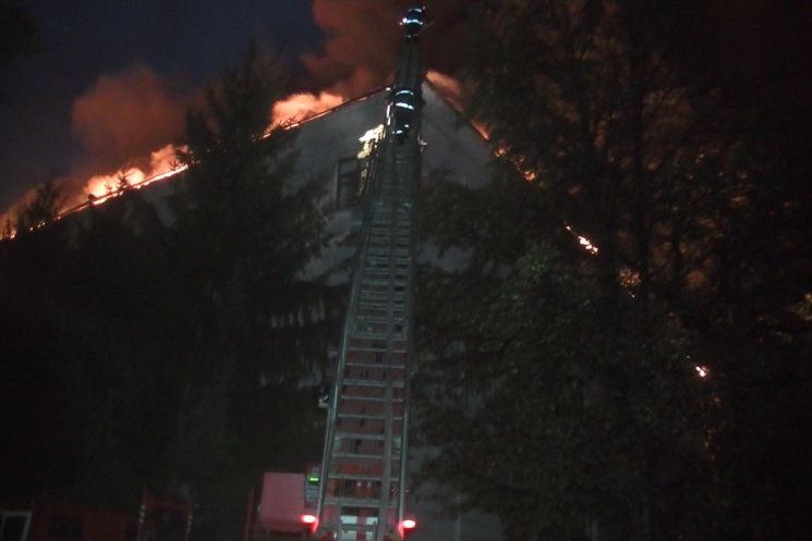 З'явилися нові кадри пожежі в харкі…