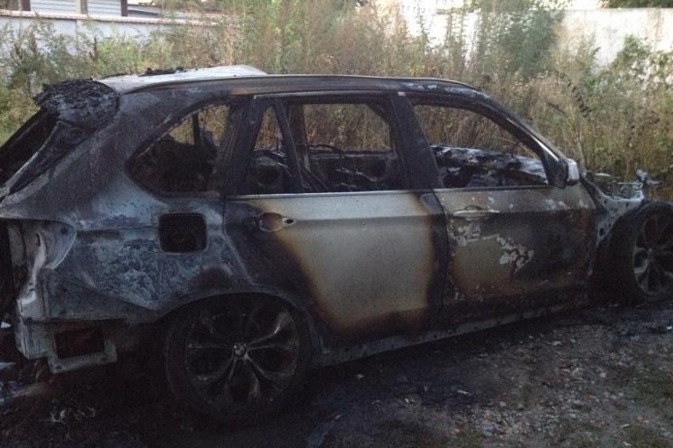ВХарькове натерритории производственного учреждения начался пожар