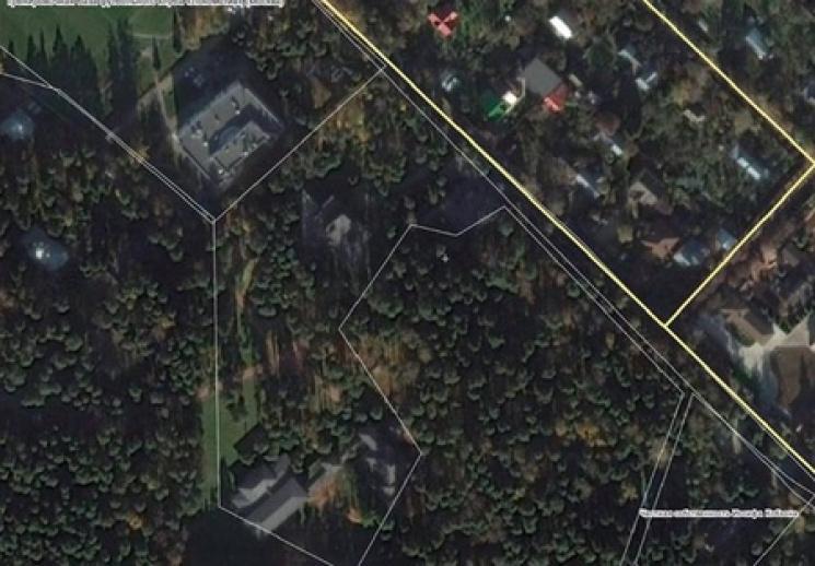 Юрист назвал фейком рассекреченное Кобзоном место проживания Януковича