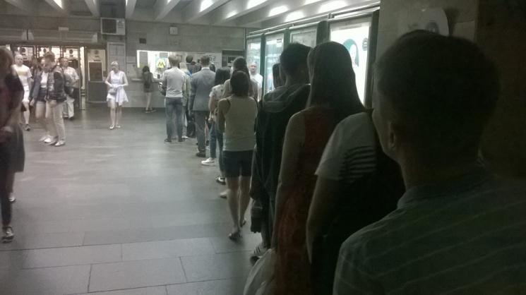 Бесконтактный секс в метро