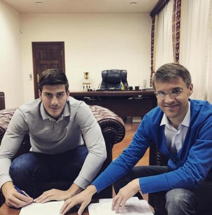 Динамо подписало договор сЛочошвили