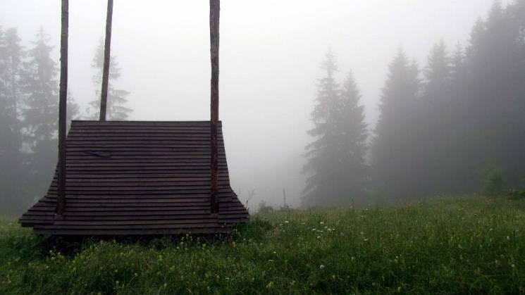 Ранкові пейзажі приваблюють мандрівників у Карпати
