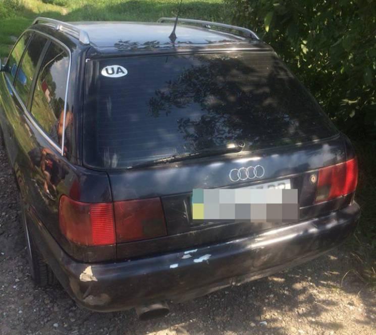 На Хмельниччині копи знайшли автомобіль-двійник з сусідньої області