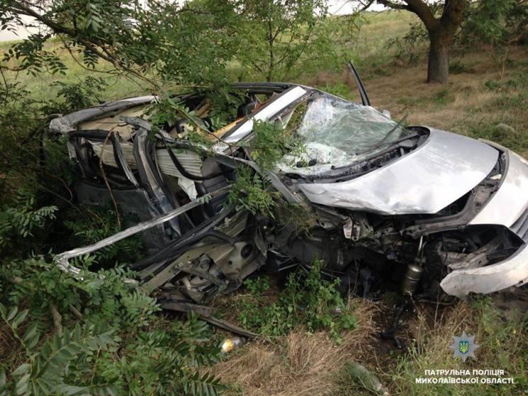 На Миколаївщині п'яний водій легкової автівки протаранив вантажівку