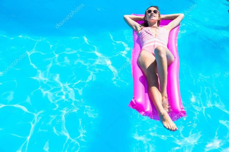 В Анапі заборонено плавати на матрацах та катамаранах
