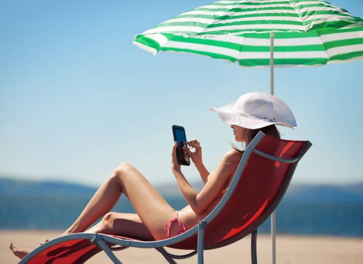 На столичних пляжах вже позасмагали понад 1,5 мільйони містян