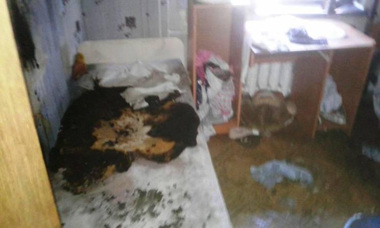 У Запоріжжі спалахнула оселя багатодітної родини (ФОТО)