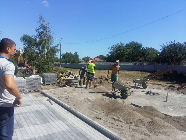 У Доброславі відкриють пам'ятник Захисникам України