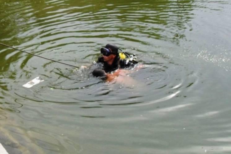 У райцентрі на Вінниччині у ставку знайшли труп