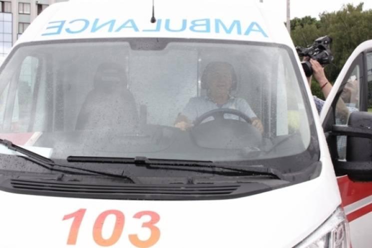 На Хмельниччині в ДТП травмувалися люди. На місці події копи та медики