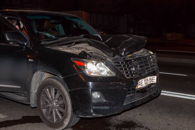 У Дніпрі іномарка збила чоловіка: Від отриманих травм пішоход помер на місці (ФОТО)