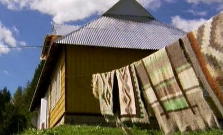Вовняне марево Карпат: За що можна полюбити гуцульські ліжники