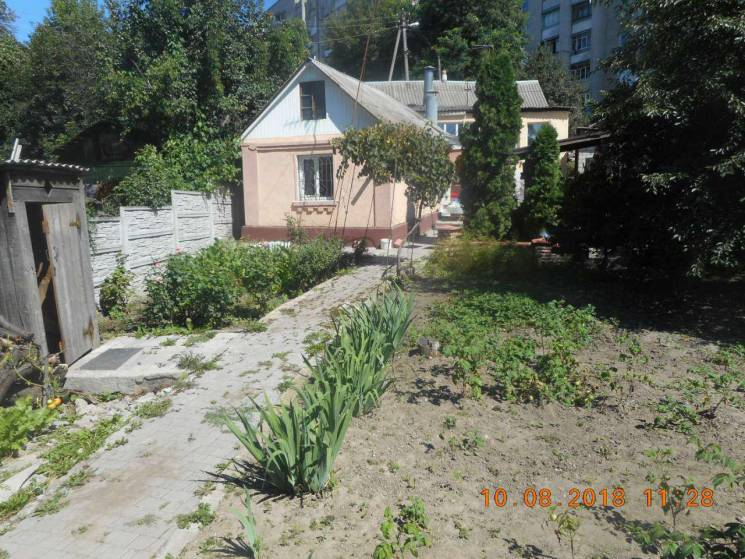 Вінничани стічними водами забруднювали ґрунт (ФОТО)