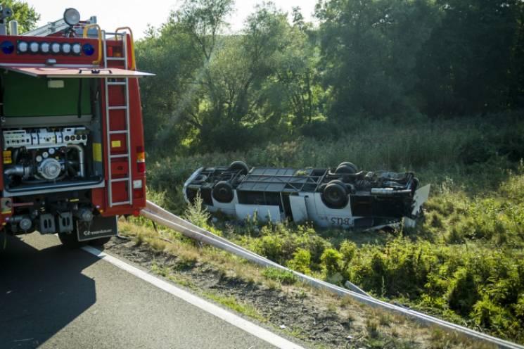 В Угорщині розбився мікроавтобус із закарпатцями, що їхали додому (ФОТО)