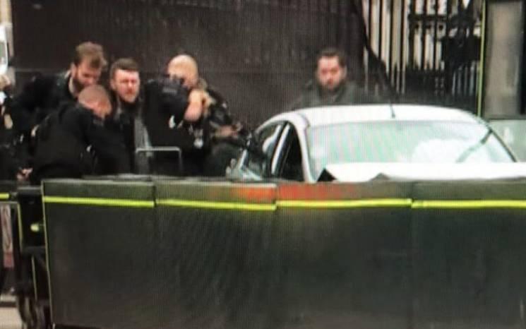 Огорожу парламенту Британії протаранило авто: Є постраждалі (ОНОВЛЕНО)