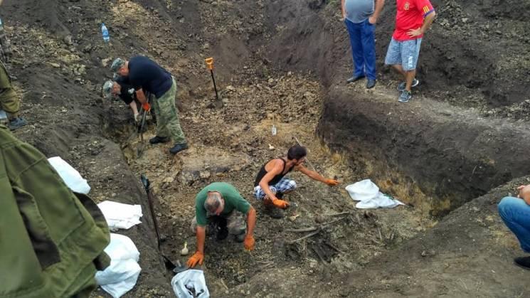 На Тернопольщине обнаружили останки воин…