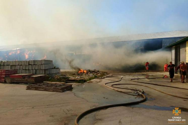 На Тернопольщине сгорело полтысячи тонн…