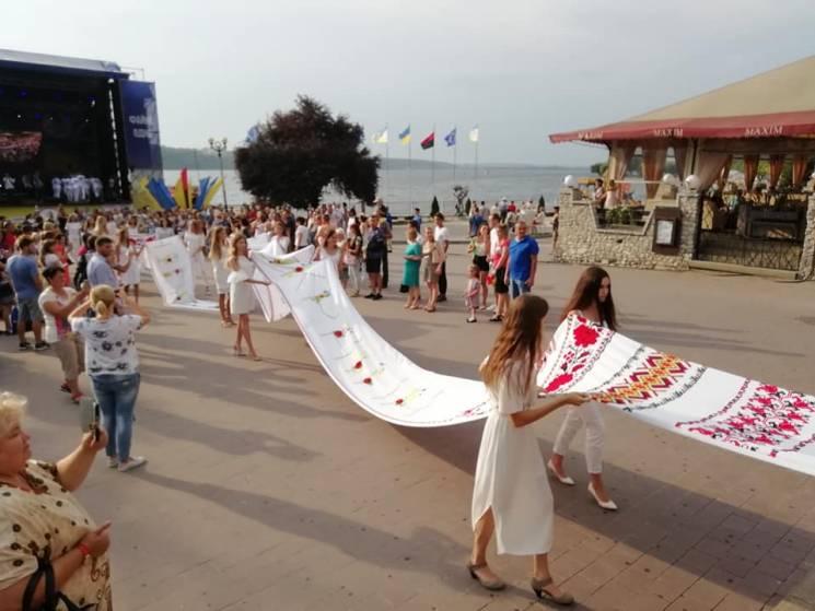 На Тернопольщине установили новый патрио…