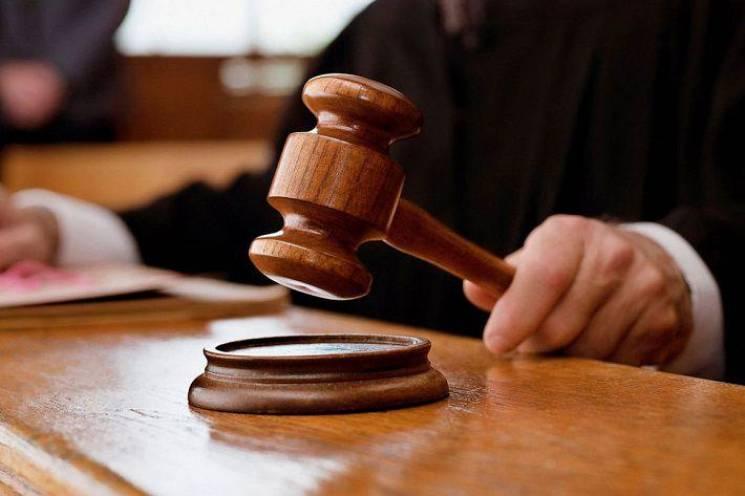 Хмельницький суд відправив під цілодобов…
