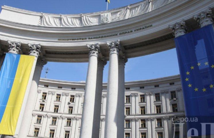 США и Британию просят выполнять свой долг перед Украиной