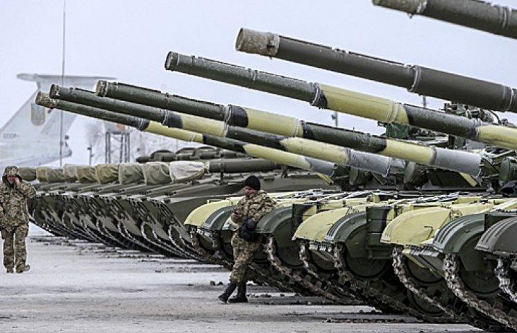 Порошенко передав бійцям 100 одиниць техніки