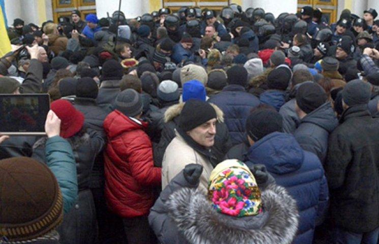 Чем винницкий штурм аукнется Порошенко и Украине – мнения политологов
