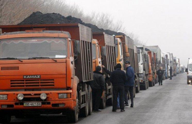 ОБСЕ продолжает наблюдать, как боевики «ЛНР» вывозят уголь в Россию