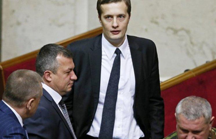 Сына Порошенко поместили в один парламентский комитет с Ляшко