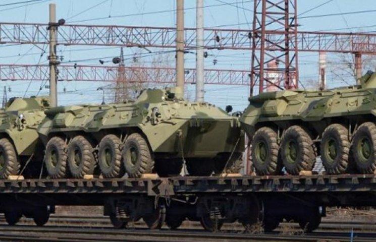 До кінця року армія України отримає тисячі одиниць техніки і зброї