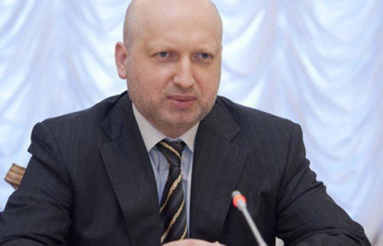 Турчинов вірить у сильну армію, а не в діалоги з Росією