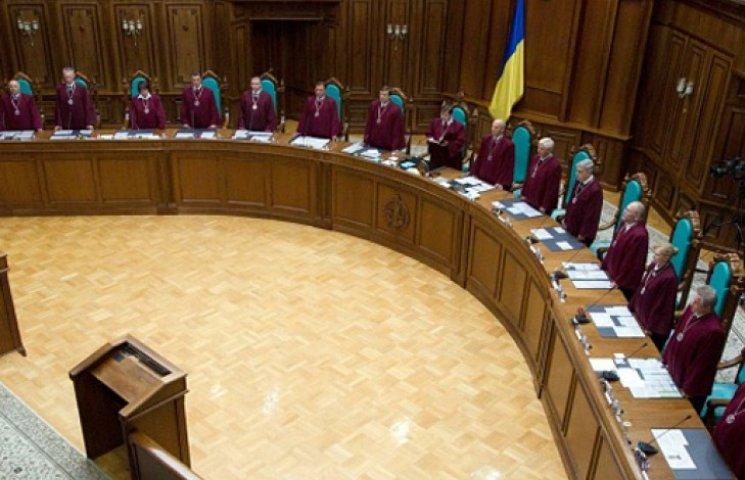 Порошенко попросит Раду уволить 300 судей