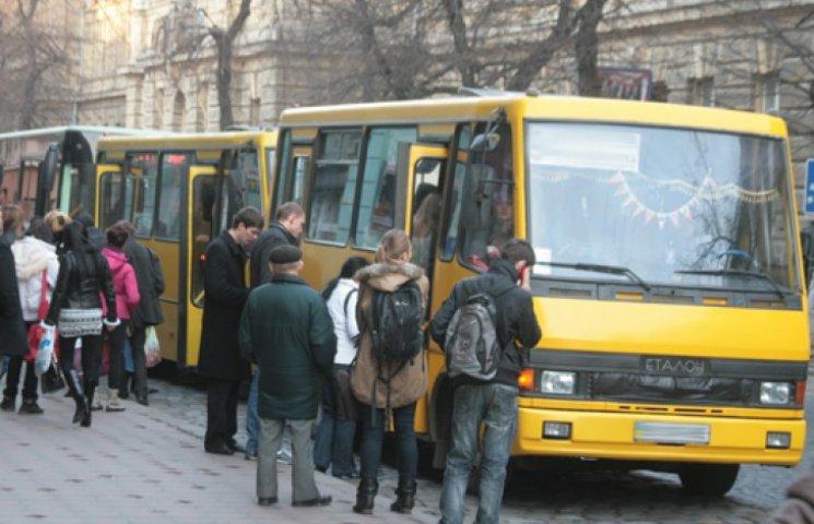 В Києві деякі маршрутки вже підняли ціни до 5 гривень