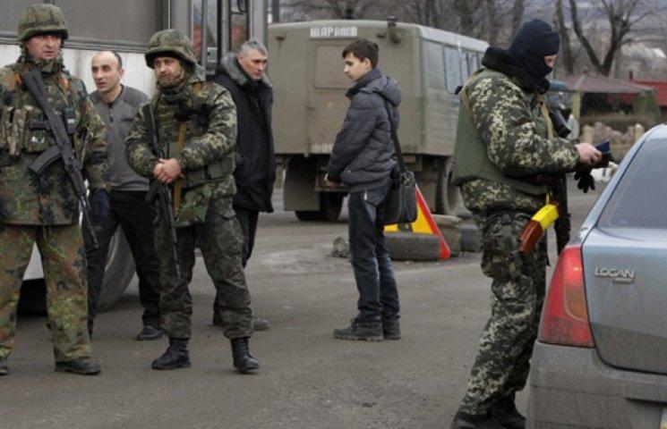 Турчинов: КПП на выездах с Донбасса станет меньше, а проверка – дотошнее