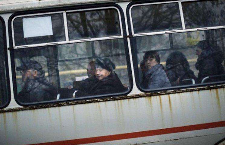 Боевики заставляют маршрутчиков платить за вывоз людей вне «своих» территорий