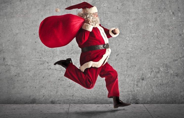 В Донецке Деды Морозы по вызову не берут рубли и боятся оказаться в кутузке