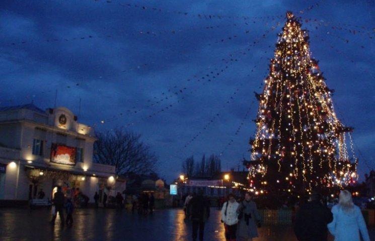 Цьогоріч ужгородська влада обмежиться однією новорічною ялинкою