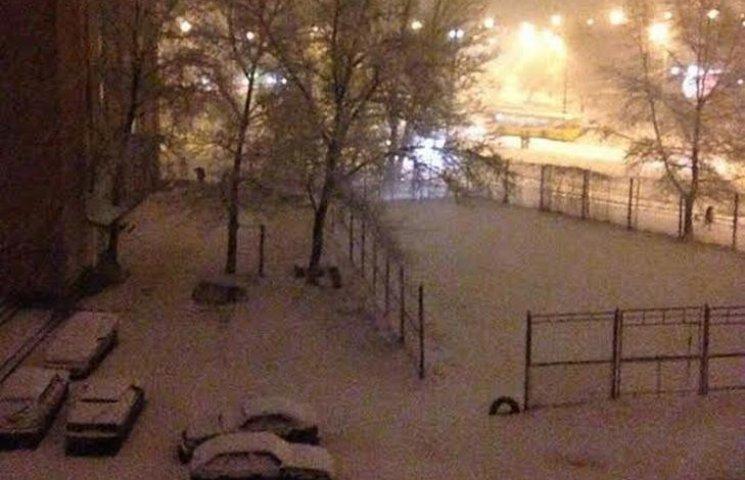 З снігових заметів на Полтавщині дістали 14 автомобілів та 23 людини