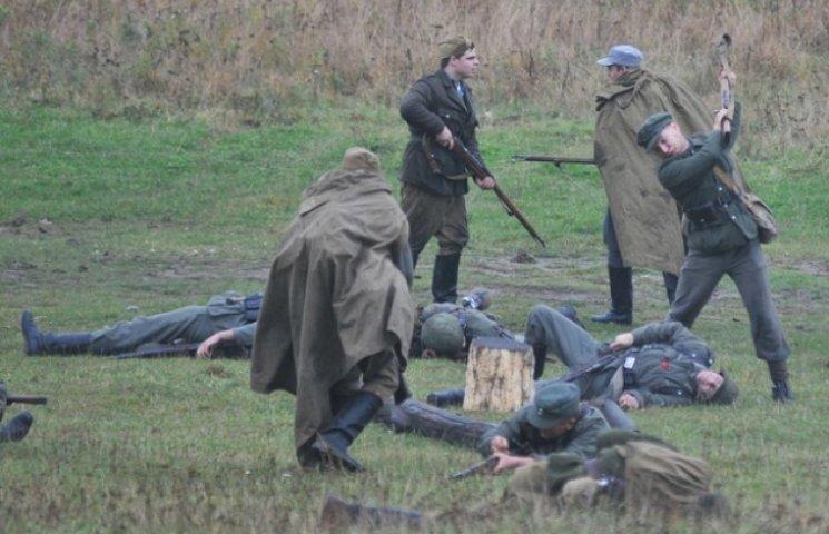 Як українці граються в повстанців та НКВ…
