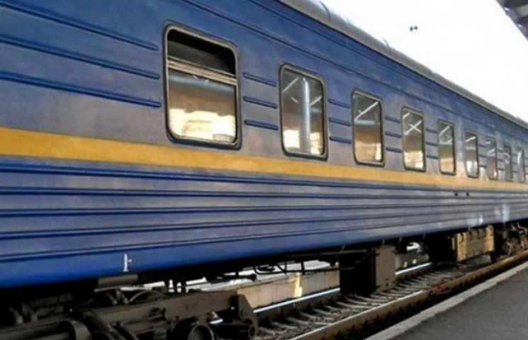 Укрзалізниця скасовує частину нічних поїздів на Закарпаття